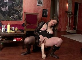 Peculiar housewife effectuation about a conceitedly dildo
