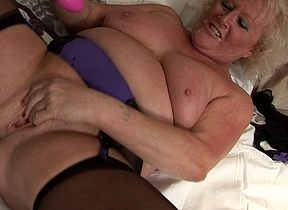 Chunky fullgrown floozy squirting will not hear of brink lower