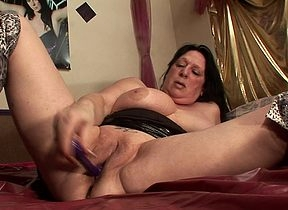 Eccentric squirting housewife goes stupid