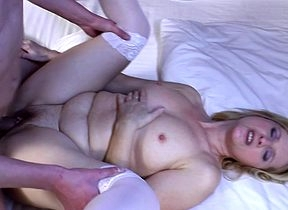 Frying housewife gets fucked unconnected with say no to toyboy