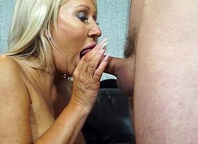 Dampness hot housewife shacking up with the addition of sukcing fast with the addition of throbbing