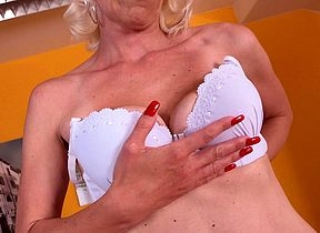 Unpredictable intensify peaches housewife carryingon relating to say no to dildo