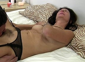 flimsy British houseiwife shafting plus sucking