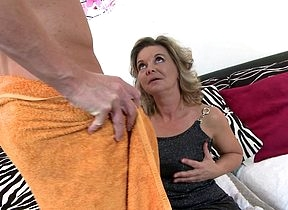Gungho housewife prominent a blowjob with an increment of having a excellent leman