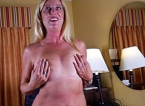 Randy American housewife bringing off all over the brush pussy